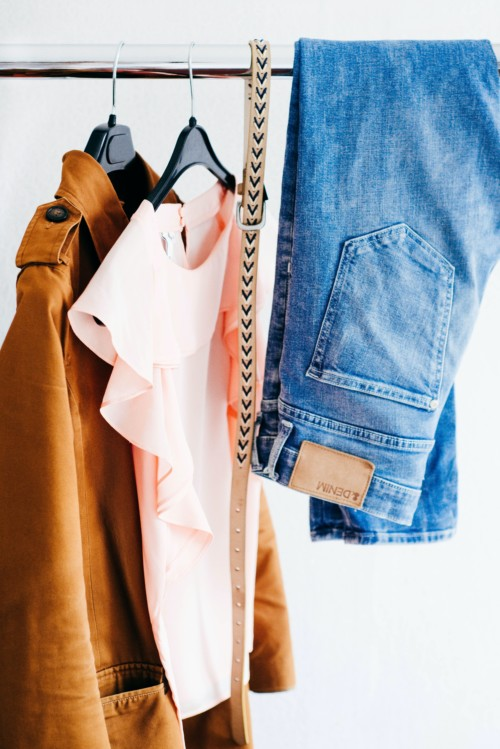洋服を捨てるコツ基準